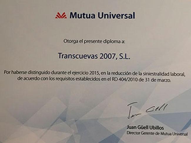 Transcuevas2007 recibe un diploma por parte de la Mutua Universal